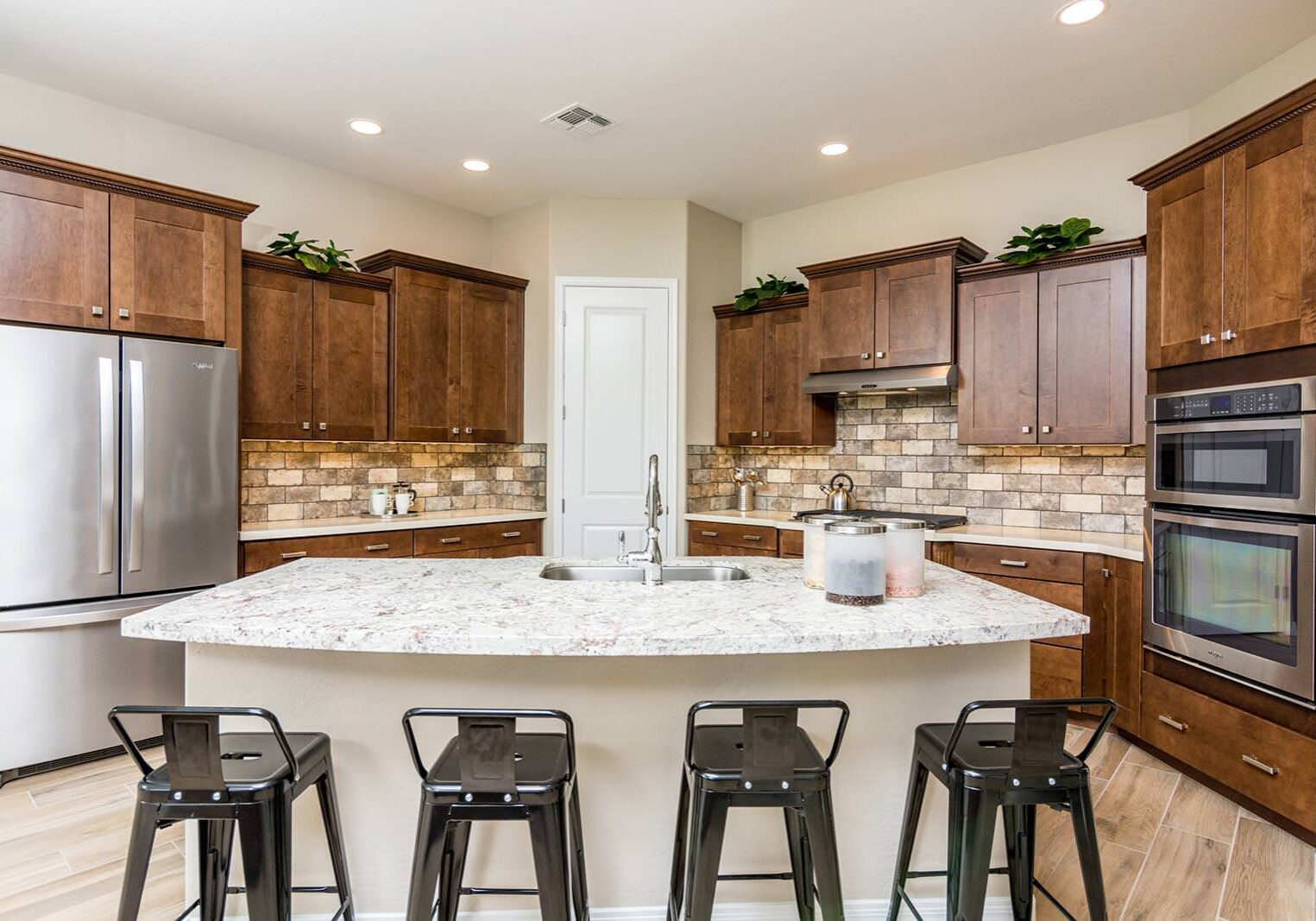 The-Commons-1533-W-Caldwell-St-Kitchen-1
